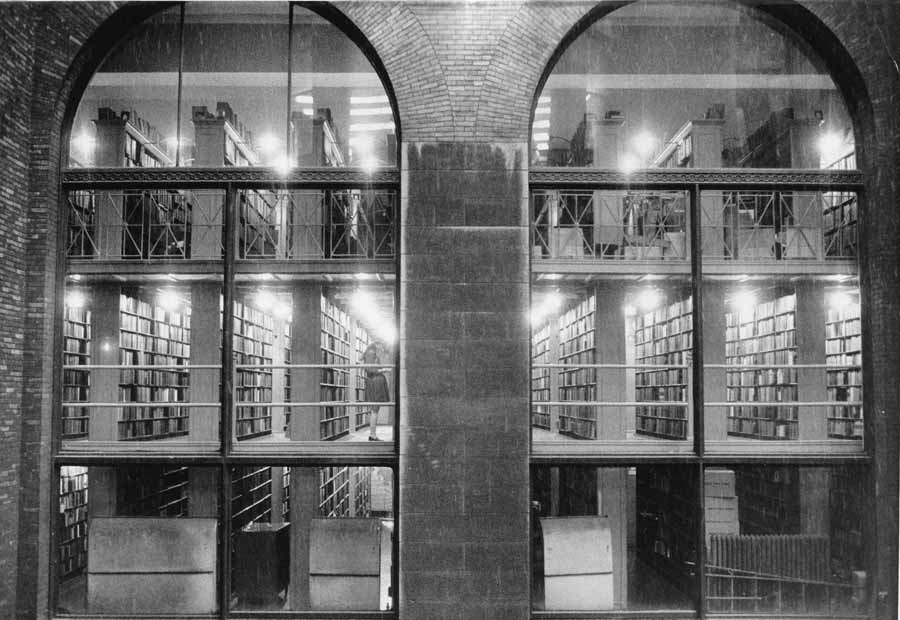 11_library-stacks-chicago-rooms