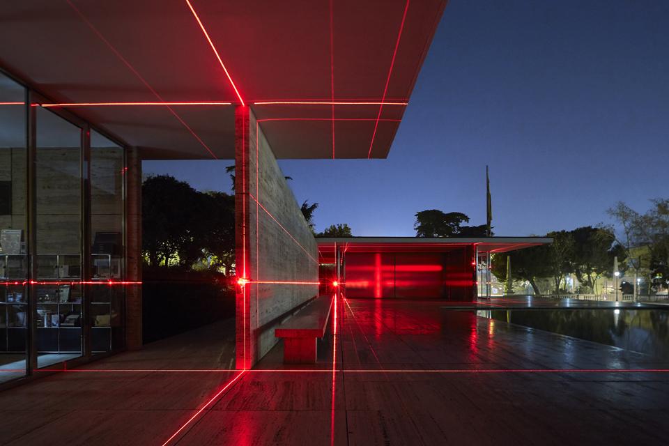 geometry_of_light_luftwerk_iker_gil_kate-joyce_02