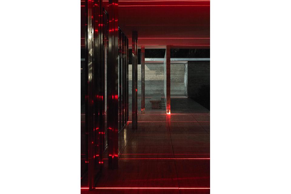 geometry_of_light_luftwerk_iker_gil_kate-joyce_12